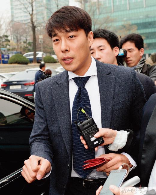 '친모 살인 청부' 혐의 여교사와 불륜 논란, 김동성 심경 고백