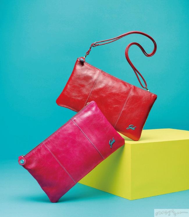 (왼쪽부터) 푸시아 핑크 컬러 25만원, 레드 컬러 24만원.