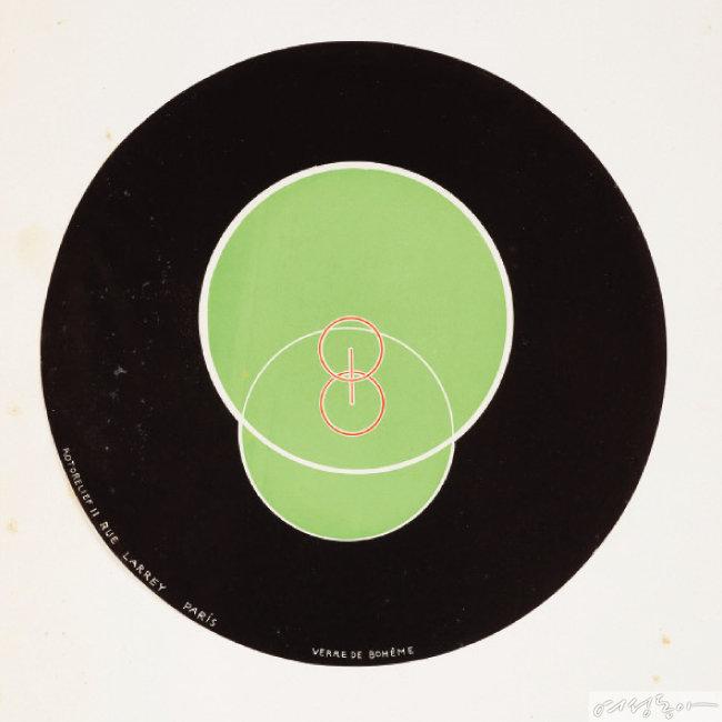 로토릴리프(광학 원반), 1935, 오프셋 석판인쇄로 양면 인쇄된 마분지 원반, 지름 20cm, Philadelphia Museum of Art