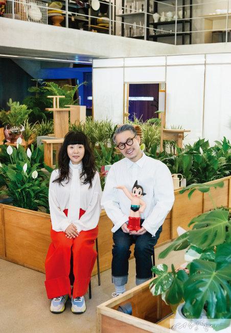도시, 공원, 착한 가게를 콘셉트로 한 '퀸마마마켓'의 강진영과 윤한희 대표.