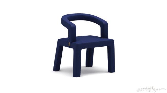 프랭크 추의 '미들 체어 (The Middle Chair)'.