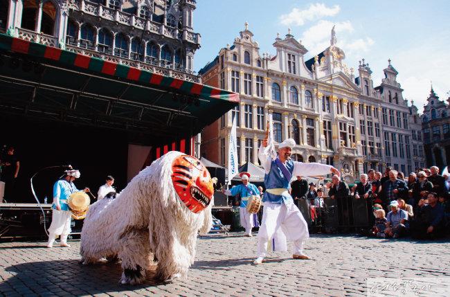 5월 31일 '동동동 문화놀이터' 행사의 일환으로 열리는 '랄랄라! 움직이는 세계음악여행'
