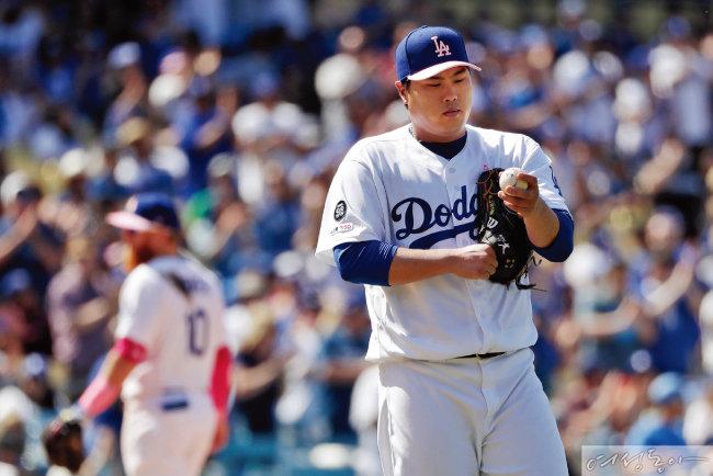 류현진은 올 시즌 최고 투수에게 주어지는 영예인 사이 영 상 후보로 거론될 정도로 최고의 실력을 펼쳐보이고 있다.