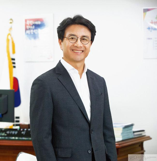 '스마트에코 시티' 향해 뛰는 이재현 인천 서구청장