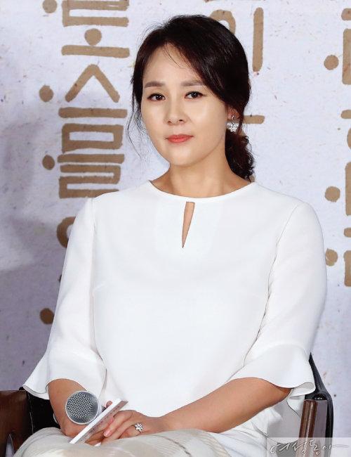 #배우 전미선의 극단적 선택 #가족 건강문제로 마음고생  #그곳에서  행복하시길!
