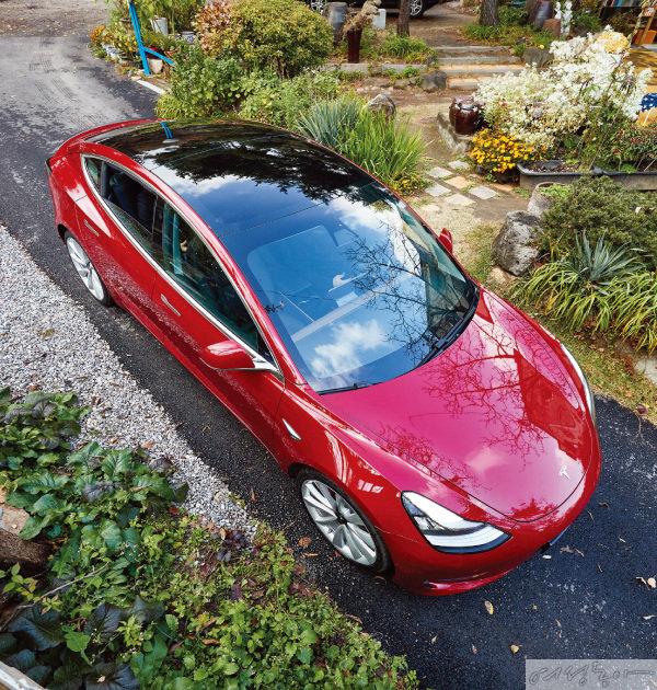 모델3는 엔진 소음과 진동이 발생하지 않아 편안한 승차감을 느낄 수 있다.