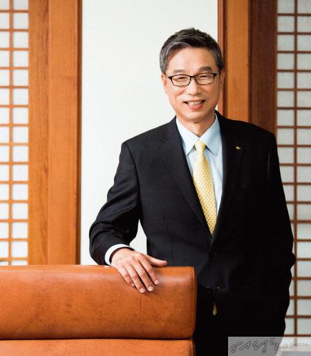 알뜰한 KB국민은행 이끄는 허인 행장