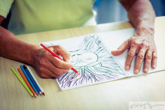 미술 활동으로 치매 예방이 가능할까?