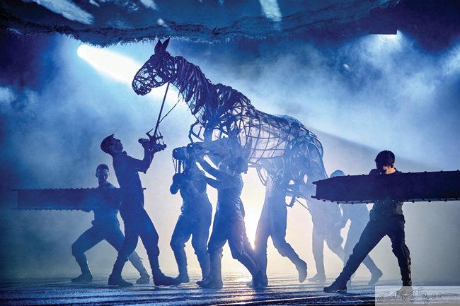 전 세계를 감동시킨 영국 국립극장 '워호스'