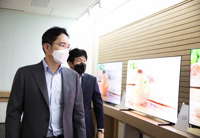 3월 19일 삼성디스플레이 아산사업장을 찾은 이재용 삼성전자 부회장