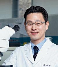 세계김치연구소 위생안전성분석센터 하지형 박사  식중독 유해세균 연구 진행. 국내 최초로  노로바이러스에 대한 족집게 검사법 개발.