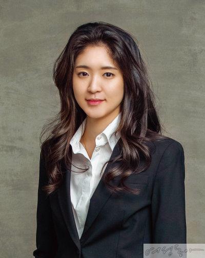 재계 공식커플 아모레 서민정, 보광 홍정환