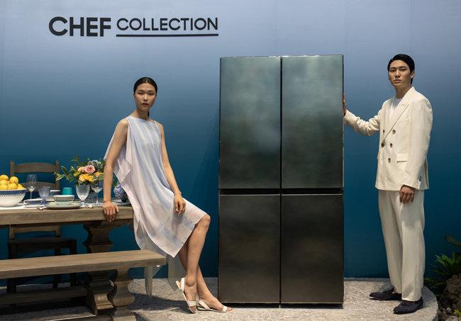 '뉴 럭셔리' 맞춤형 냉장고로 불리는 삼성전자 '뉴 셰프컬렉션'이 출시됐다.