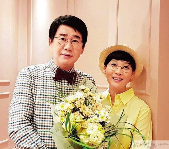대한민국 1호 개그맨&개그우먼 부부 최양락과 팽현숙. 요즘 부부 동반으로 다양한 활동을 선보이며 인기를 끌고 있다.