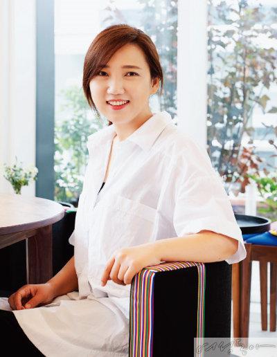 스타 디자이너로 유명한 '달앤스타일' 박지현 대표는  두 동생과 의기투합해 카페를 열었다.
