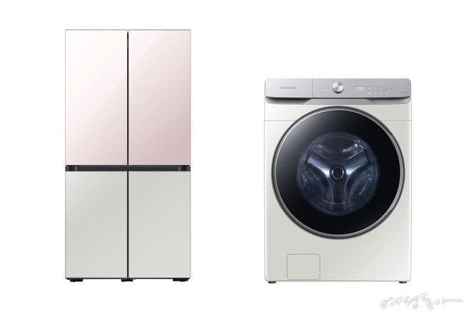 2020 대한민국 올해의 녹색상품에 선정된 비스포크 냉장고(왼쪽). 2020 대한민국 올해의 녹색상품에 선정된 그랑데 AI 세탁기