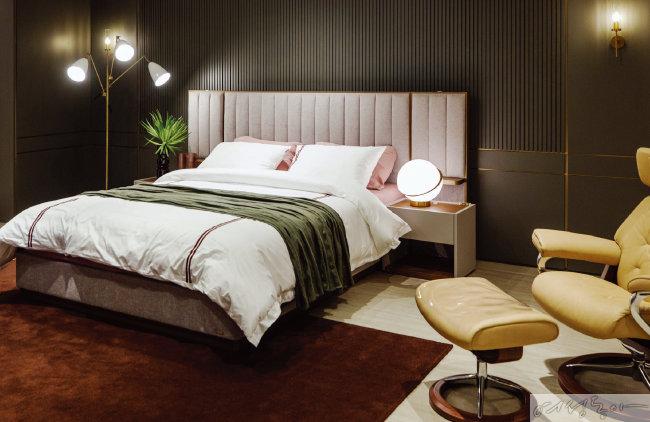 다양한 에이스침대를 만날 수 있는 지하 2층. 일명 '박보검 침대'로 알려진 '라노떼'도 체험할 수 있다.
