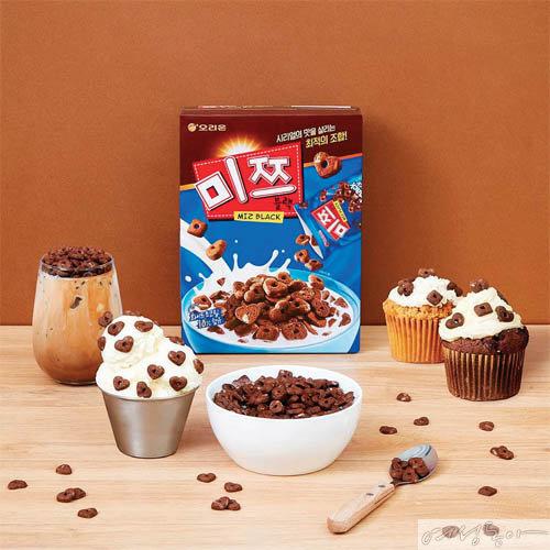 기존 제품의 용량을 8배 늘려 우유와 함께 식사 대용으로 즐길 수 있도록 선보인 미쯔 대용량 팩. 오리온.