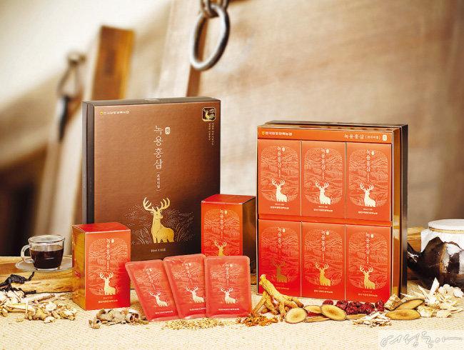 국내산 녹용은소비자 주문 형식의 중탕 형태 제품으로 판매되고 있다.