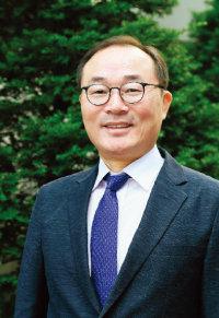 김홍유 심사위원장·경희대학교  경영대학원 교수