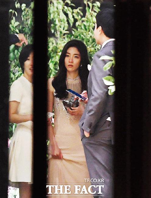 6월 약혼식 당시 서민정 씨 모습