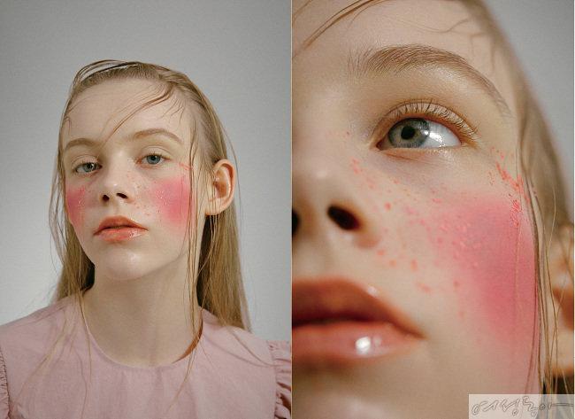 퍼프소매 핑크 블라우스. 비뮈에트.