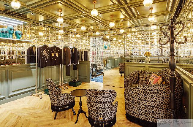 다양한 남성 DIY 제품과 테일러링 상품을 만나볼 수 있는 공간.