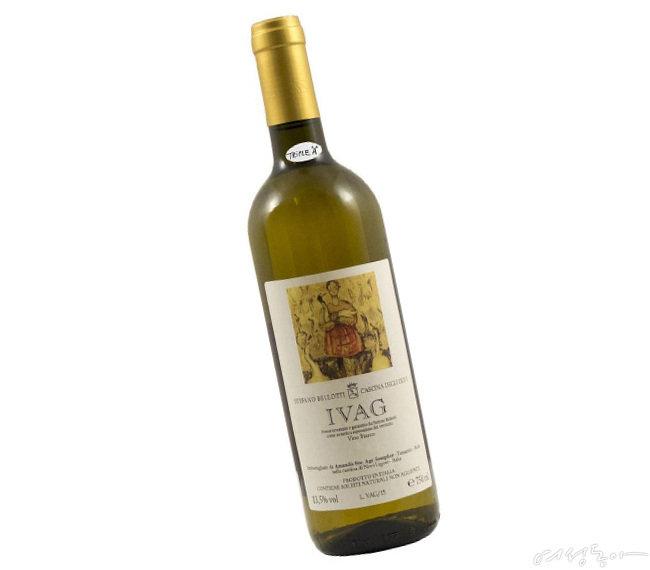 짜릿한 산미가 매력적인 내추럴 와인 이바그.