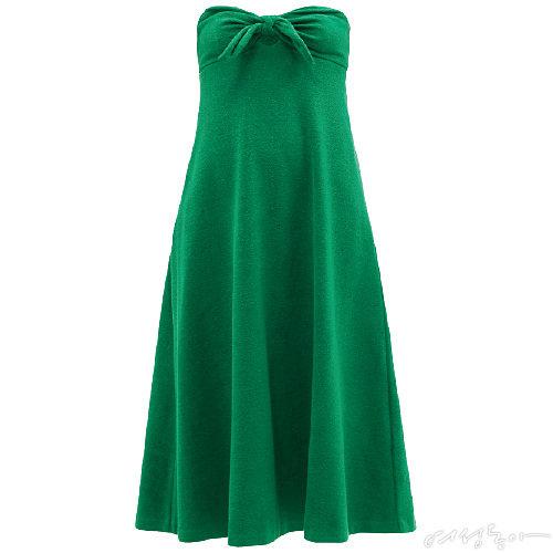 해변의 바캉스를 테마로 한 튜브 톱 미디 드레스에 쨍한 그린 컬러와 리본 디테일을 더해 여성스러운 무드를 극대화시켰다. 50만원대 짐머만by육스.