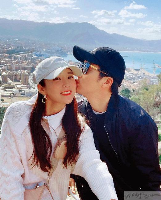 2019년 웨딩마치를 올린 이완·이보미 부부.