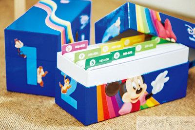 4 생생한 디즈니 캐릭터들로 구성된 총 5백10장의 '토크얼롱카드'
