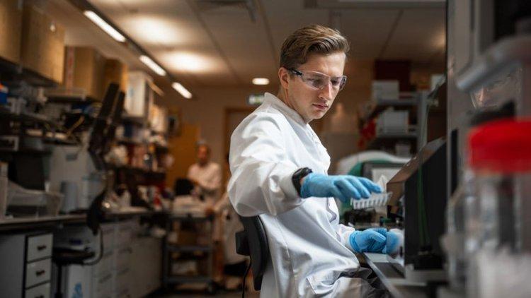 역대급 속도와 협력으로… 지구촌 과학자들 백신개발에 '영끌' 했다