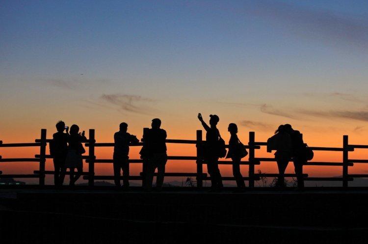 '연트럴파크'에서 '기생충 속 슈퍼'까지…마포 골목 여행