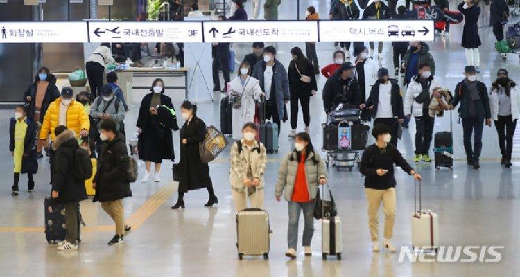 국내 항공권 판매 7배↑…봄 오자 여행 수요 들썩