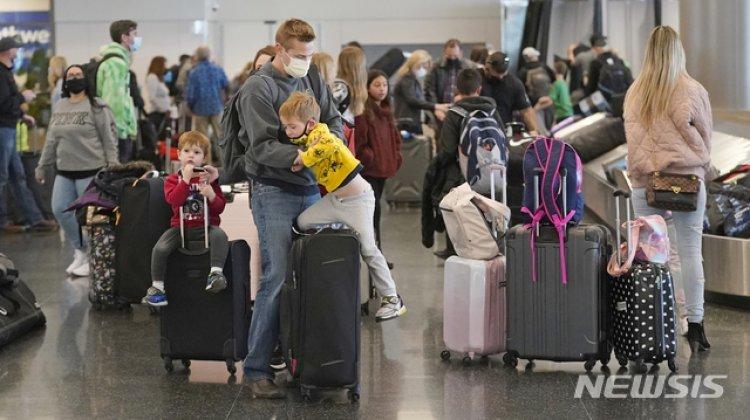 """美국무부 """"여행주의보 갱신…80% 국가 '여행 금지'"""""""