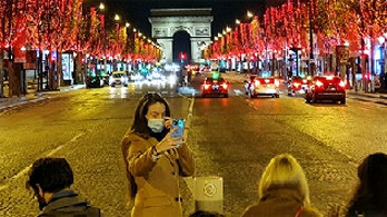 '코로나 크리스마스'… 유럽 3차 확산 갈림길