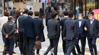 직장인 평균 월급 300만원 넘었다…가장 높은 업종은?