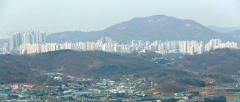 """""""미분양 걱정해야 할판"""" """"서남권 개발 신호탄"""""""