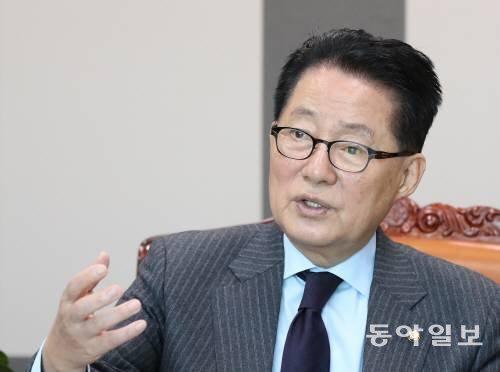 """윤석열 '버럭'에 당황한 박지원 """"검사 10단이더라…내가 졌다"""""""
