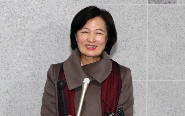 """추미애 장관 지명에…민주당 """"적임자""""·한국당 """"사법장악"""""""