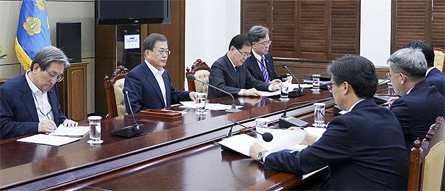 """靑 """"남북협력 우리가 결정할 사안""""… 北개별관광 강행 의지"""