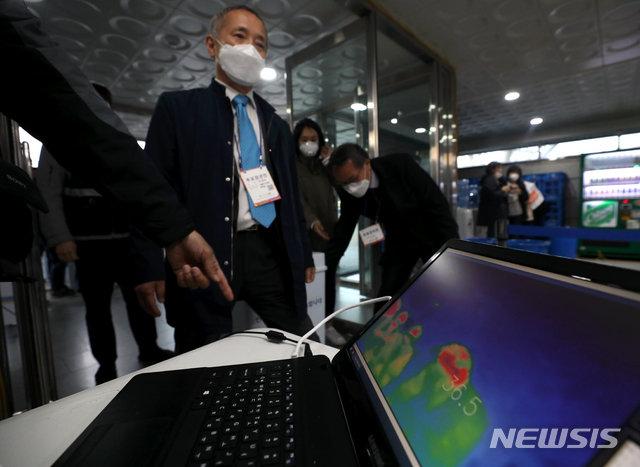 K방역 이어 K선거?…선관위, 해외에 코로나 선거 경험 공유