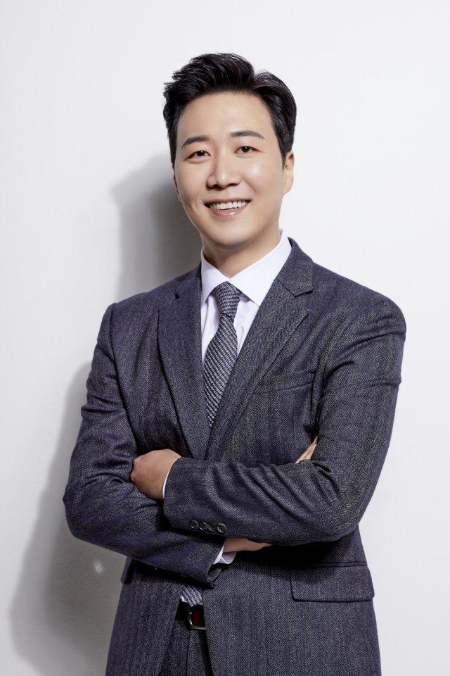 도경완 전 아나, 블리스엔터와 계약…홍현희·이찬원과 한솥밥