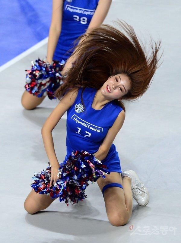 [포토] 치어리더 김연정, 머리카락 휘날리며